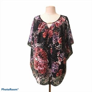 Simply Emma floral blouse